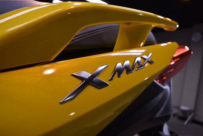 xmax_07.jpg