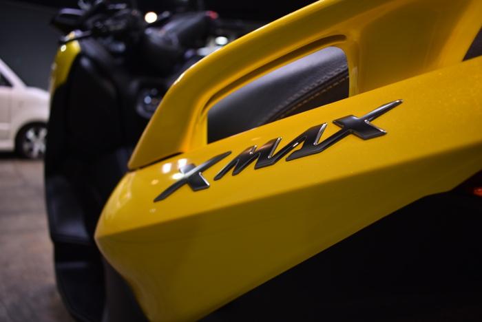 xmax_08.jpg